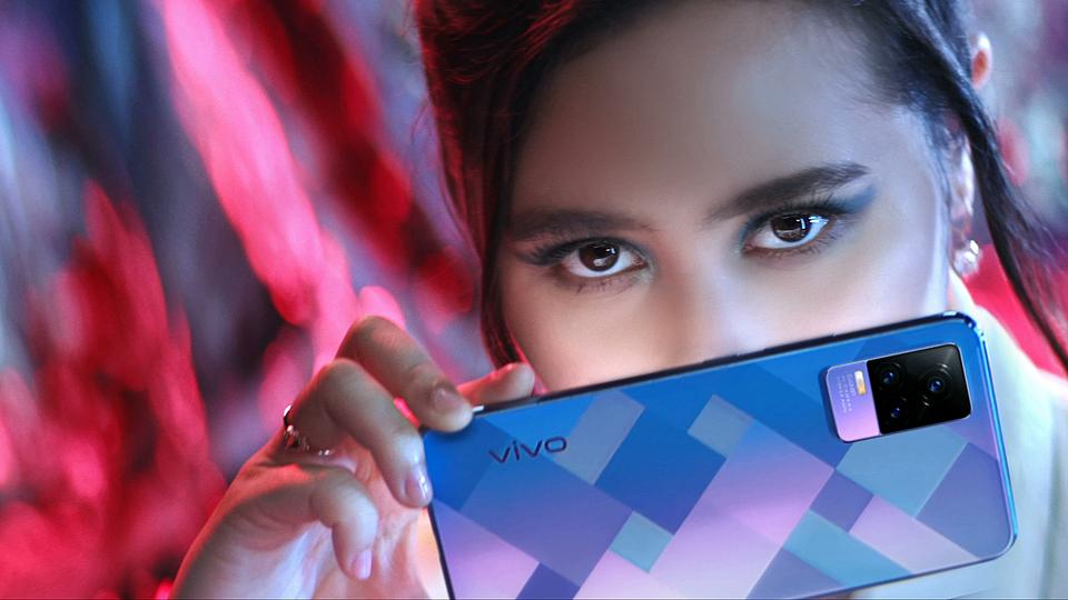 Vivo V21 x Prilly 'Be inspired'